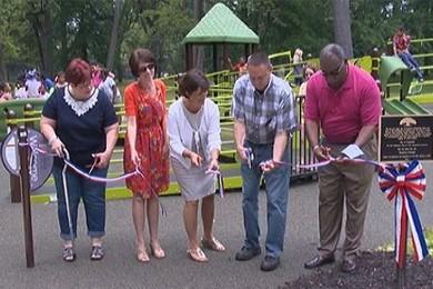 cutting ribbon ceremony