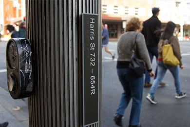 The new signs will make a big difference to people who are vision impaired. (702 ABC Sydney: Amanda Hoh)